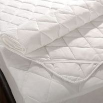 Pad style stain resistant mattress protector with strap