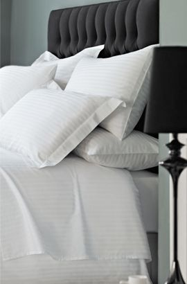 top of luxury bed with pillows