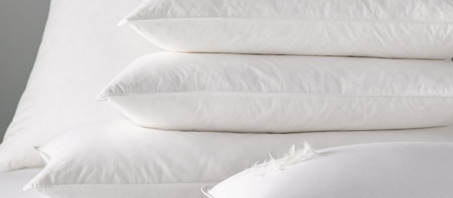 The Comprehensive Hotel Pillows Buying Guide